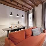 Apartment, 2 Bedrooms (Francoli 55 P3) - Living Area
