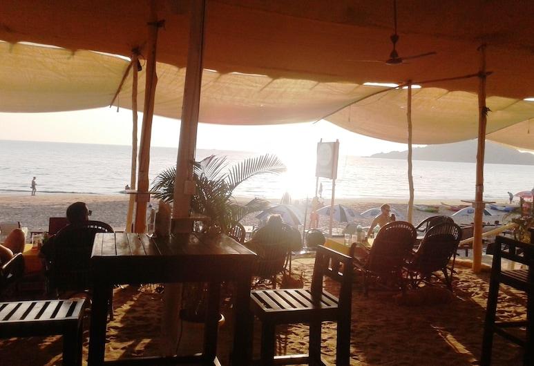 Cuba Premium Bungalows, Chaudi, Deluxe Room, Sea View (A/C), Bilik Tamu