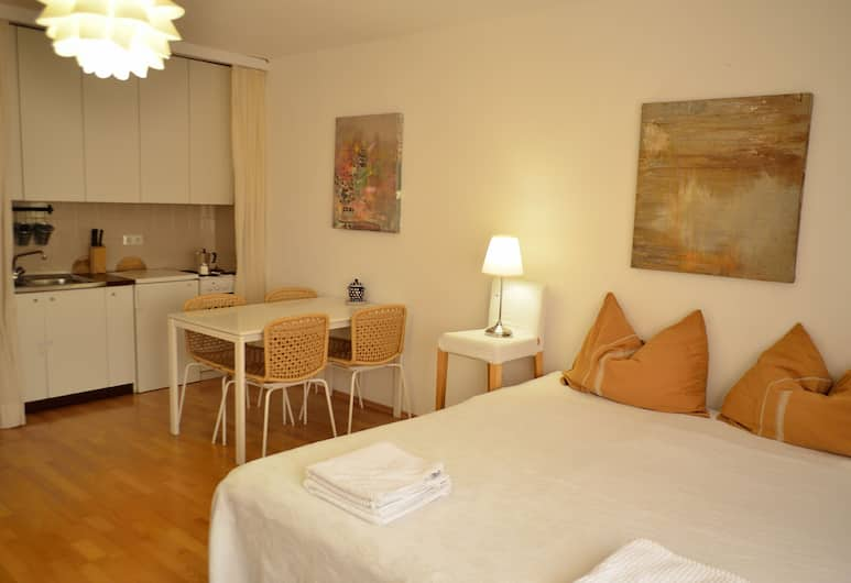 GoVienna Urban Living Belvedere Apartment, Vienna, Classic Studio, 1 Double Bed, Private kitchenette