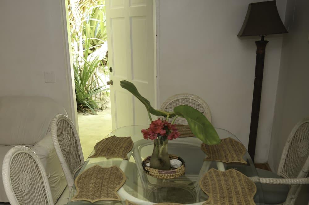 Cottage, 3 Bedrooms, Garden View (Inagua) - Living Area
