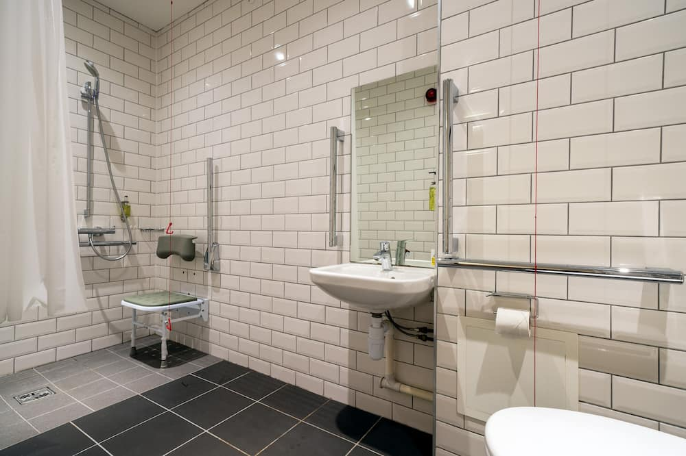 Accessible Double Room without Window - Bathroom