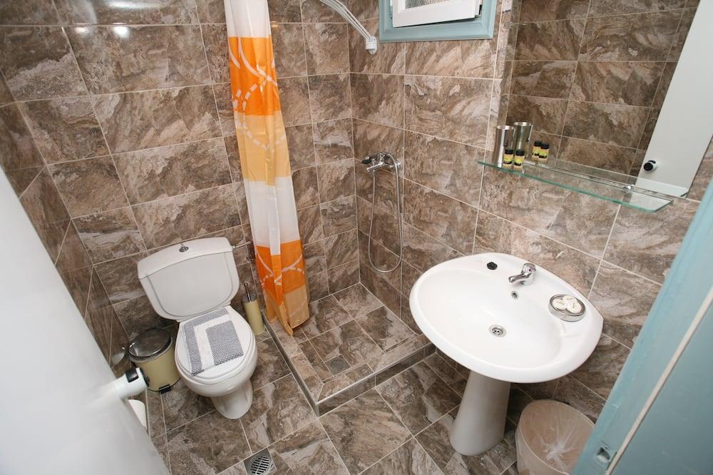 Kolmen hengen huone (extra bed 4 persons) - Kylpyhuone