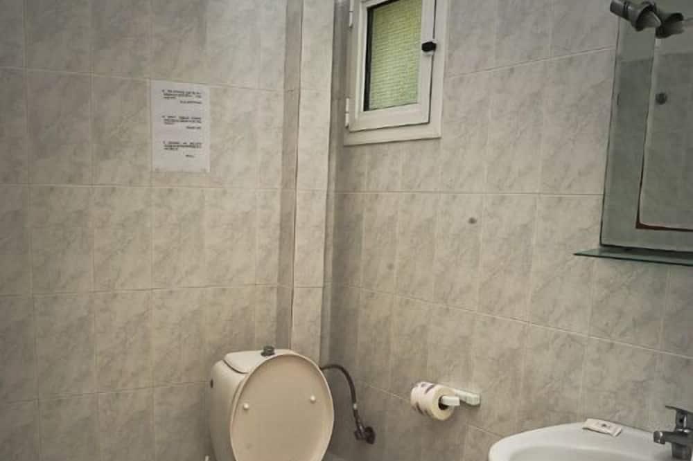 Apartment, Mezzanine - Bathroom
