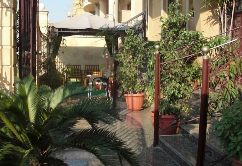 Cairo plaza Guest House, Sheikh Zayed City, Terrace/Patio