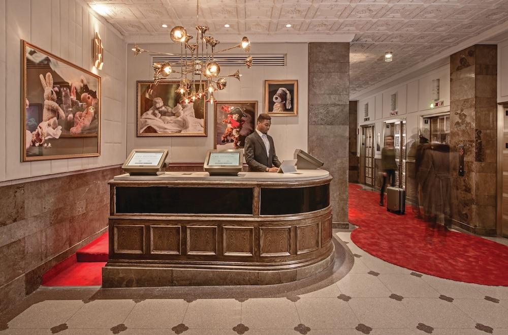 Virgin Hotels Chicago Interior Entrance