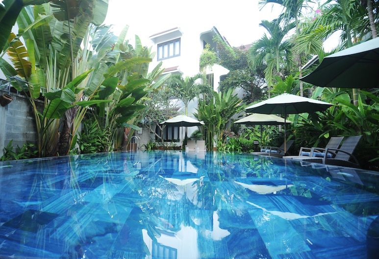 East West Villa, Hoi Anas, Lauko baseinas