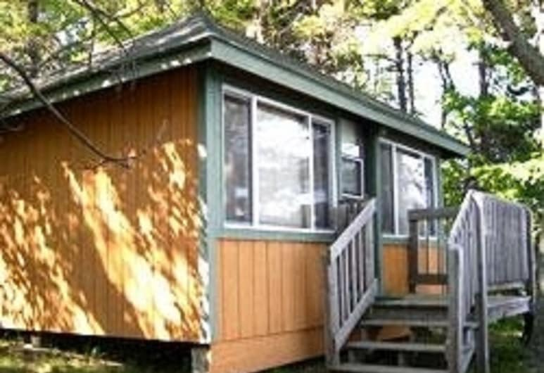 Patten Pond Camping Resort, Ellsworth, Cottage, 1 Bedroom, Non Smoking, Lake View (No Pets, Linens not Available), Room