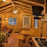 Cabin (Pets OK, Linens Available) - Зона гостиной