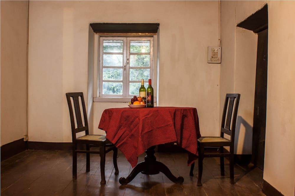Exclusive-sviitti - Ruokailu omassa huoneessa