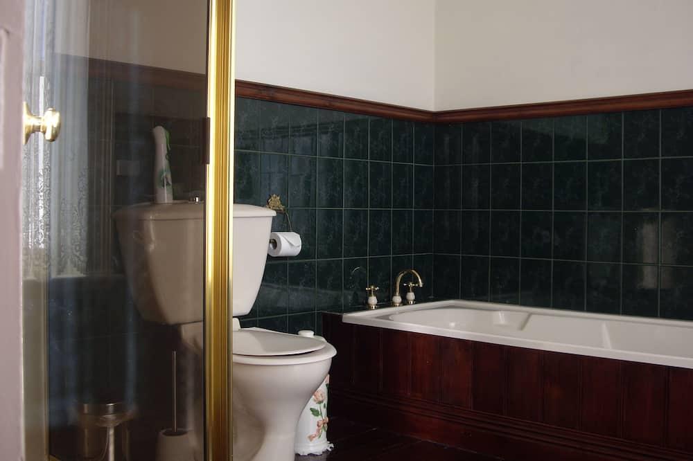 Pokój dwuosobowy z 1 lub 2 łóżkami, standardowy, 1 sypialnia - Łazienka