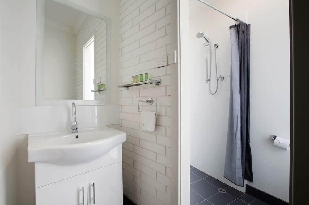 King Studio Room - Bathroom