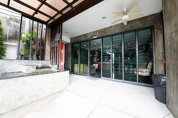 Fotografia hotela (OYO 358 Rattana Residence Thalang) v meste Thep Kasattri
