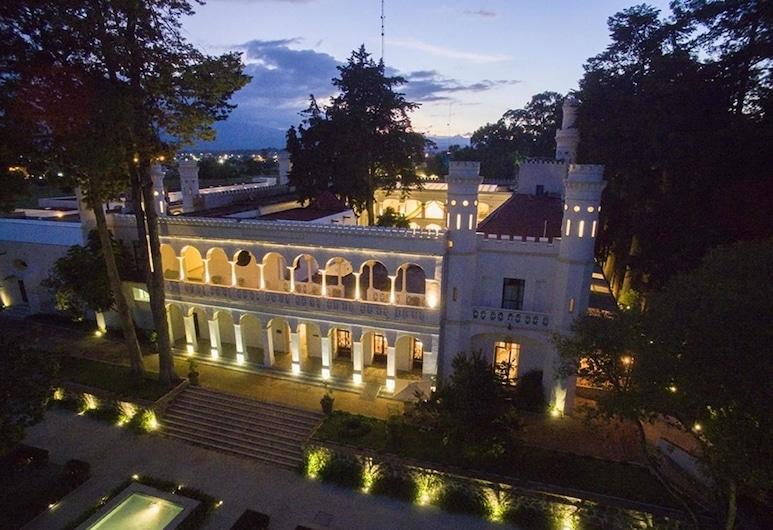 Misión Grand Ex Hacienda de Chautla, San Salvador el Verde, Viešbučio fasadas vakare / naktį