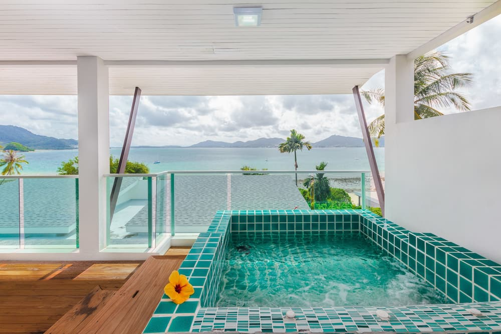 Sea-view Deluxe Double with Private Jacuzzi - Room