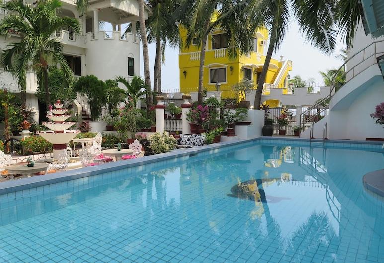 White Castle Resort & Hotel, Lian, Lauko baseinas