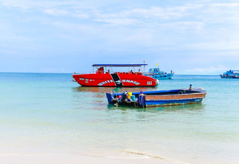 LaLune Beach Resort, Rayong, Canotage