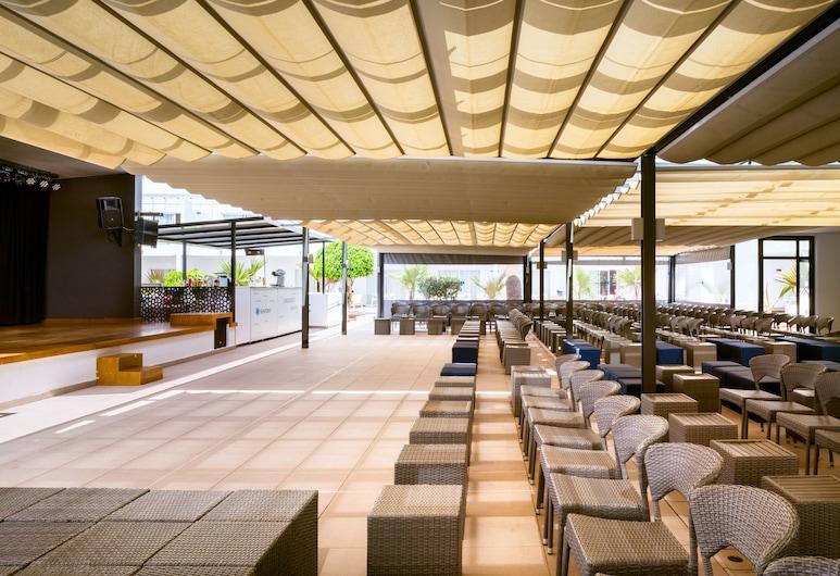 Aequora Lanzarote Suites, Tias, Viesnīcas bārs