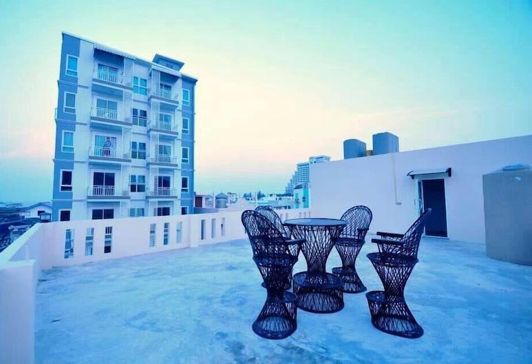 Thor Huahin 57 Hotel, Hua Hin, Terrace/Patio