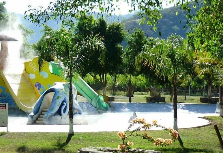 Las Jaras, Tamazula de Gordiano, Parque acuático