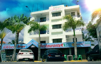 Picture of Hotel Restaurant Hamilton in Boca Chica