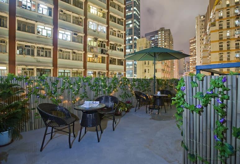 Mingle Place With The Star, Hong Kong, Teres/Laman Dalam