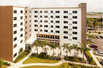 15 Closest Hotels to Florida International University in