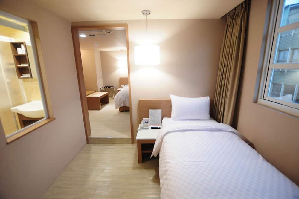 Elite Triple Room - Guest Room
