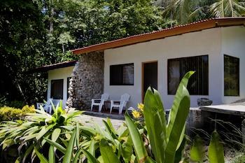 Manuel Antonio bölgesindeki Karahe Beach Hotel resmi
