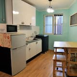 Deluxe 7-bed private, ensuite (Foreigners Only) - リビング ルーム