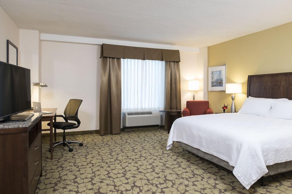 hilton garden inn louisville downtown louisville room 1 king bed accessible - Hilton Garden Inn Louisville Downtown