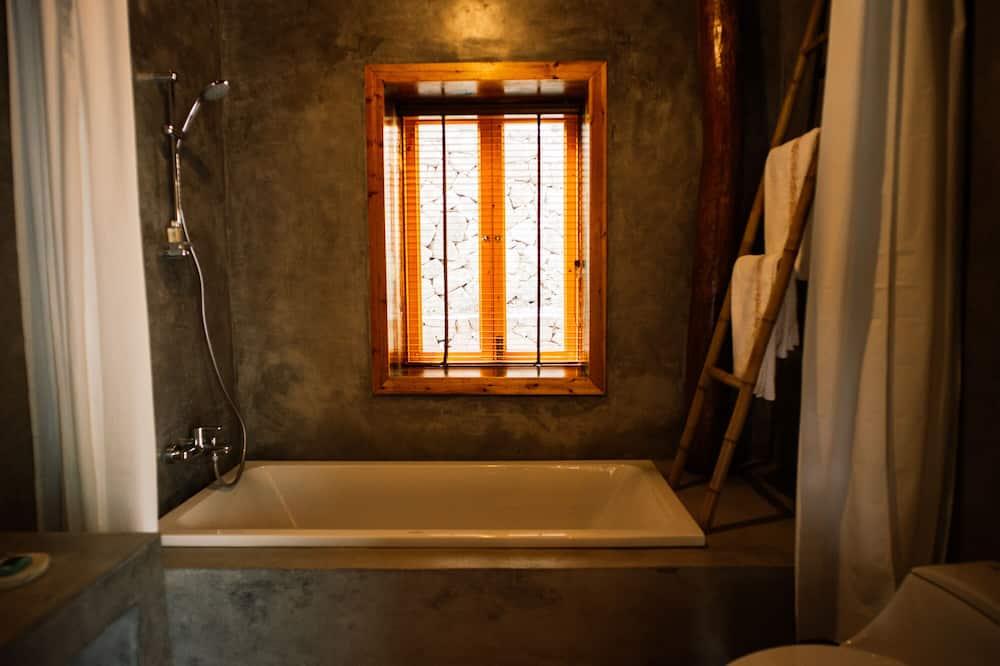 Family Room 2 - Bathroom