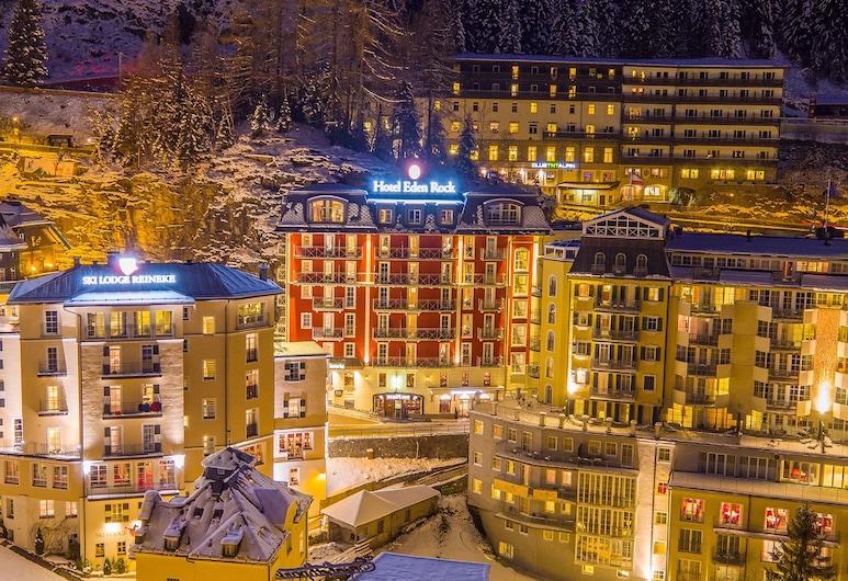 Hotel Eden Rock, Bad Gastein, Viesnīcas priekšskats vakarā/naktī