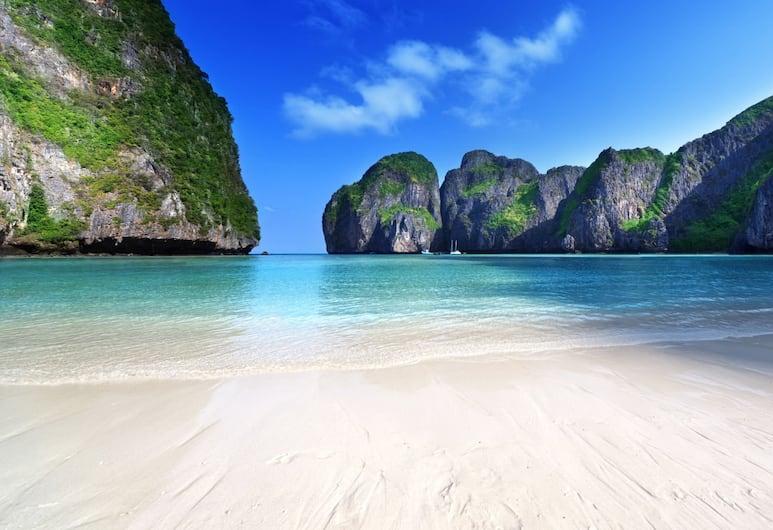Goldsea Beach, Patong, Pláž