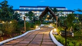 Choose This Luxury Hotel in Inle Lake