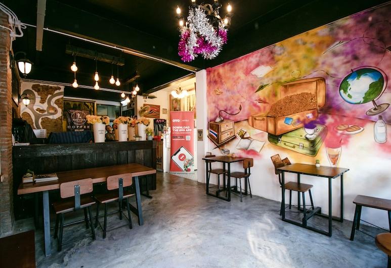 OYO 568 Art Hotel Hua Lamphong, Bangkok, Hotel Bar