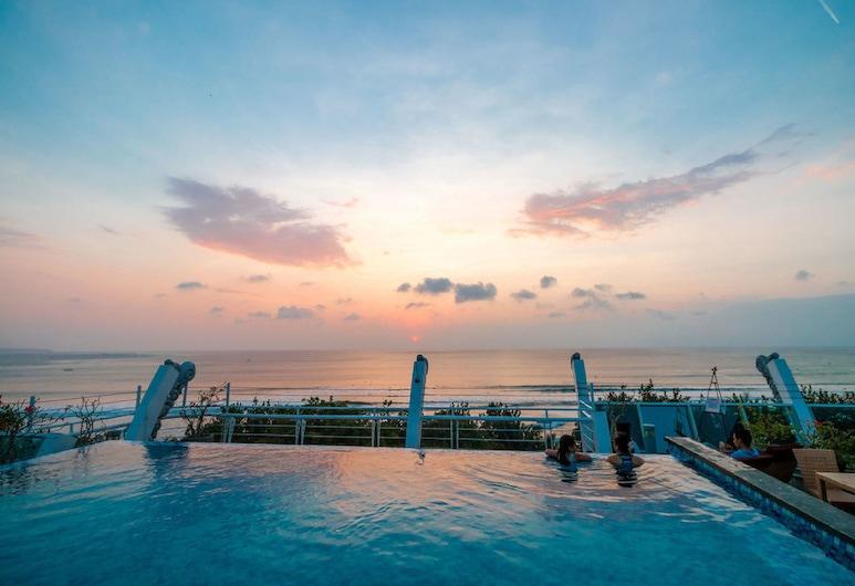 Kutabex Beach Front Hotel, Kuta, Rooftop Pool