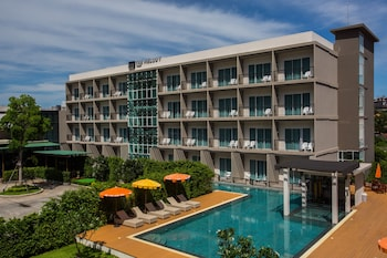 Choose This 4 Star Hotel In Karon