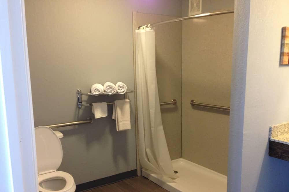 Izba, 1 veľké dvojlôžko - Kúpeľňa