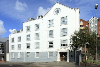 Enter your dates to get the St. Helier hotel deal