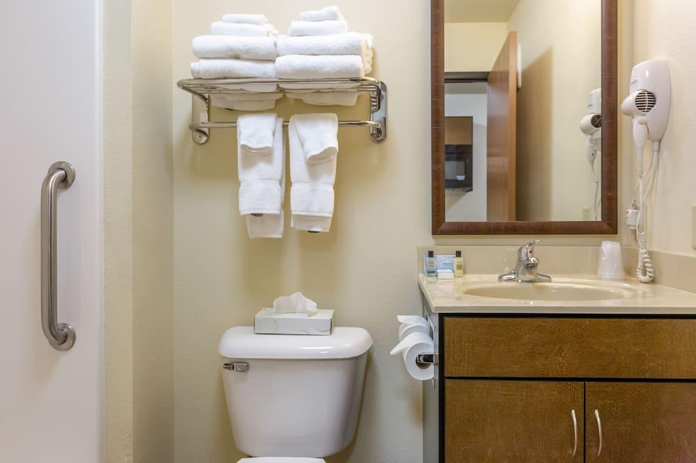 Izba, 2 dvojlôžka - Kúpeľňa