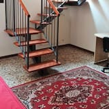 Apartment, 2 Bedrooms, Canal View (Cannaregio - Fondamenta Misericordia) - Living Area