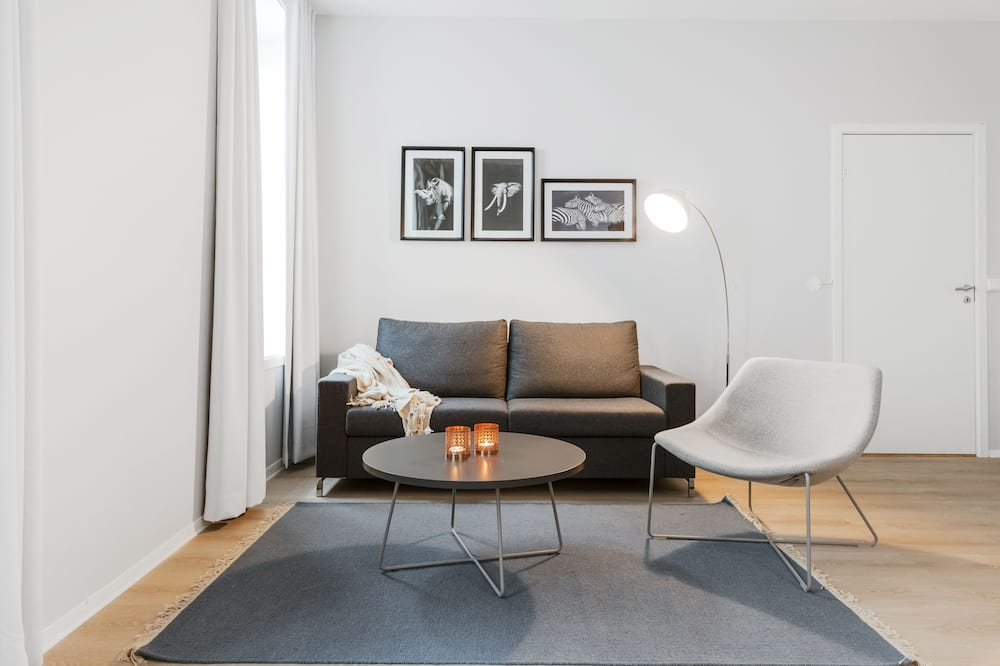 One-Bedroom Apartment For One - Salon
