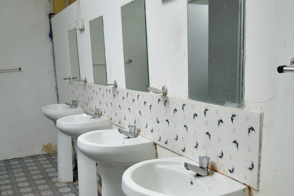 Standard Room (Shared Bathroom) - Bathroom