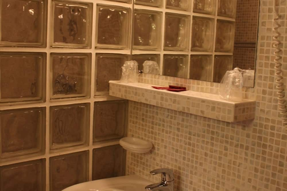 Executive háromágyas szoba - Fürdőszoba