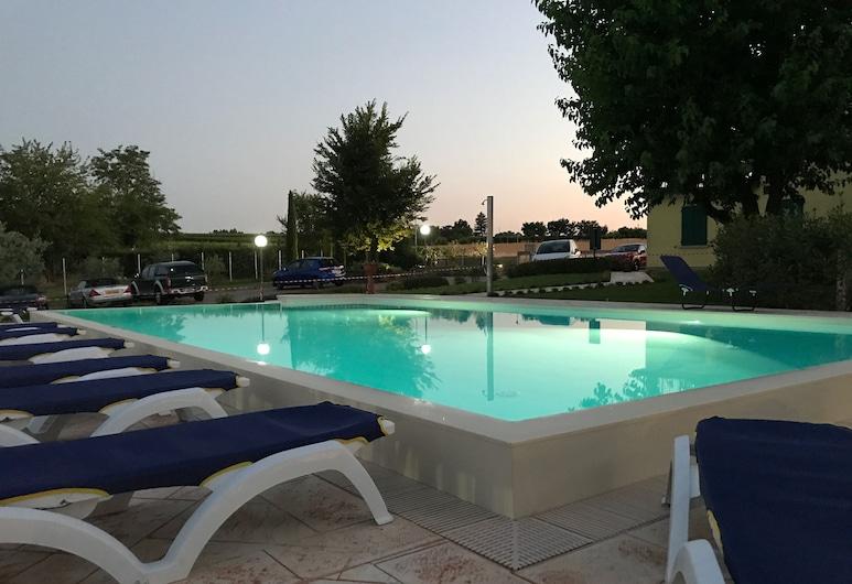 Albergo Quattro Pini, Pozzolengo, Outdoor Pool