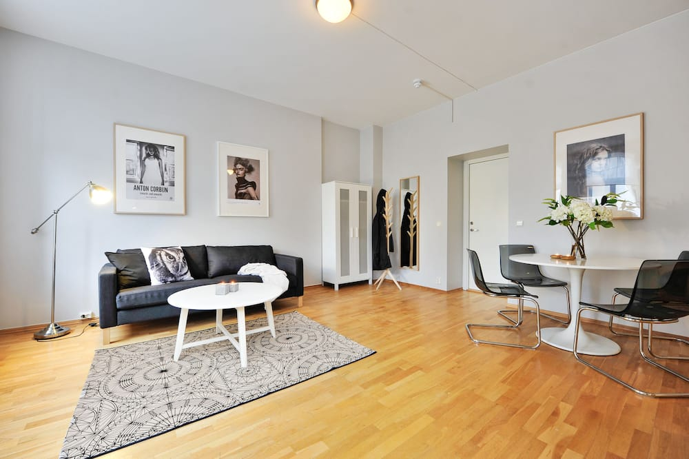 One-Bedroom Apartment For Four - Woonkamer