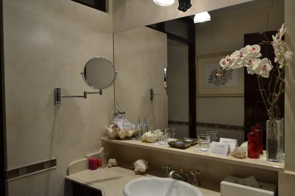 Superior balcon - 浴室洗手台