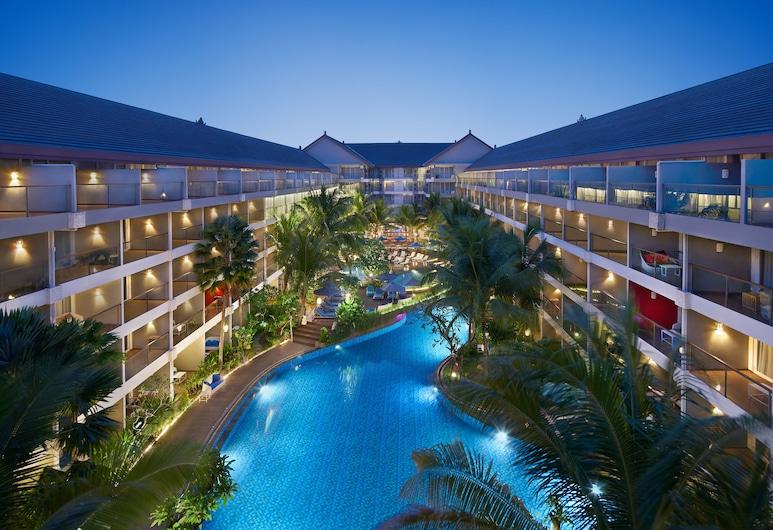 Ramada Encore by Wyndham Seminyak Bali, Seminyak, Quarto família, 3 quartos, VIsta para a piscina, Vista (do quarto)