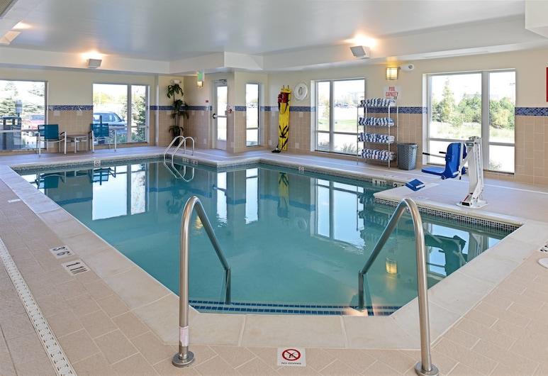 底特律奧本山唐普雷斯套房酒店, 奥伯恩丘, 泳池