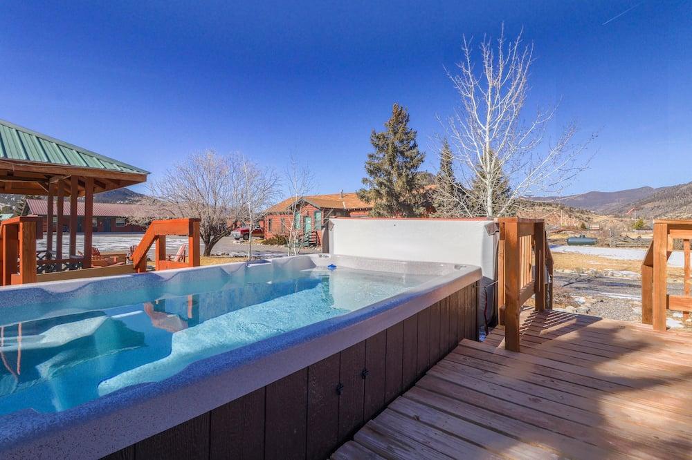 Cabin, 2 Bedrooms, Fireplace (Antelope Cabin) - Outdoor Pool